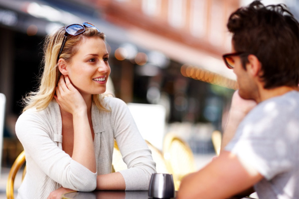 Come ottenere una ragazza interessata a voi dating online