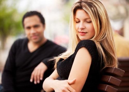 Come Guardare Una ragazza: lo Sguardo per Sedurre o Eccitare ...